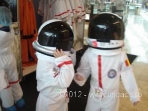 2-cosmonauti