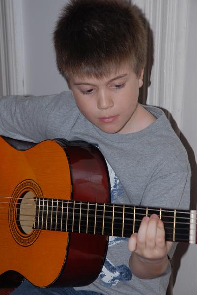 scoala-de-rock-chitaristul-radu2